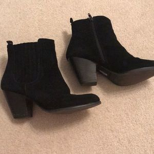 Nine West suede